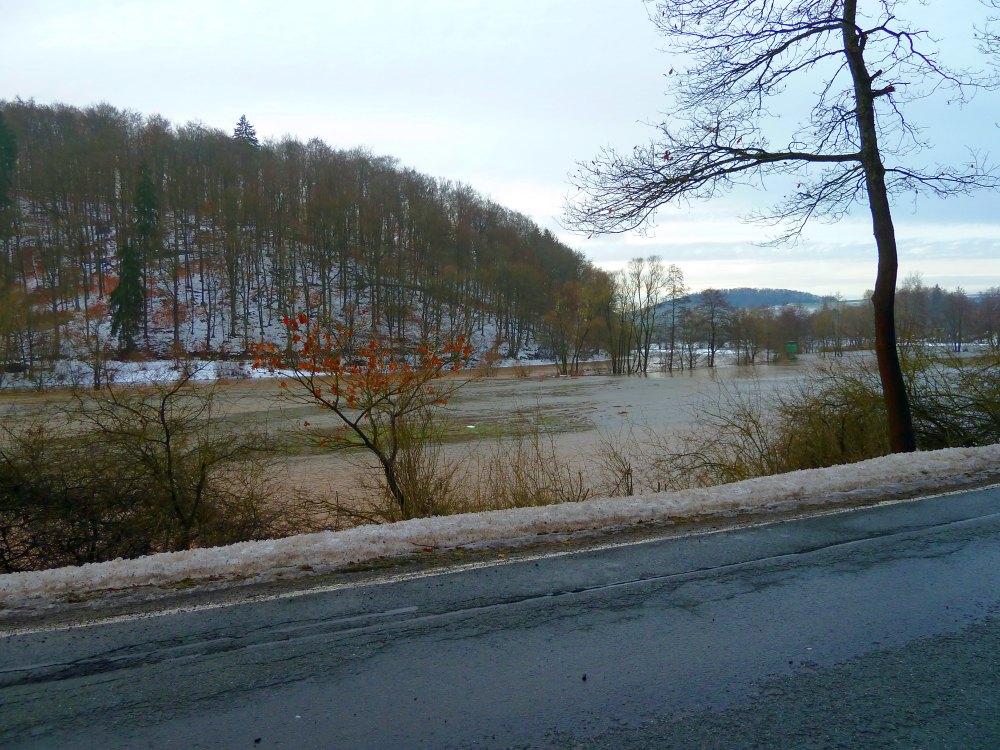 http://www.lutz-schenk.de/wetter/201101109_hw/046_nuhne2.jpg
