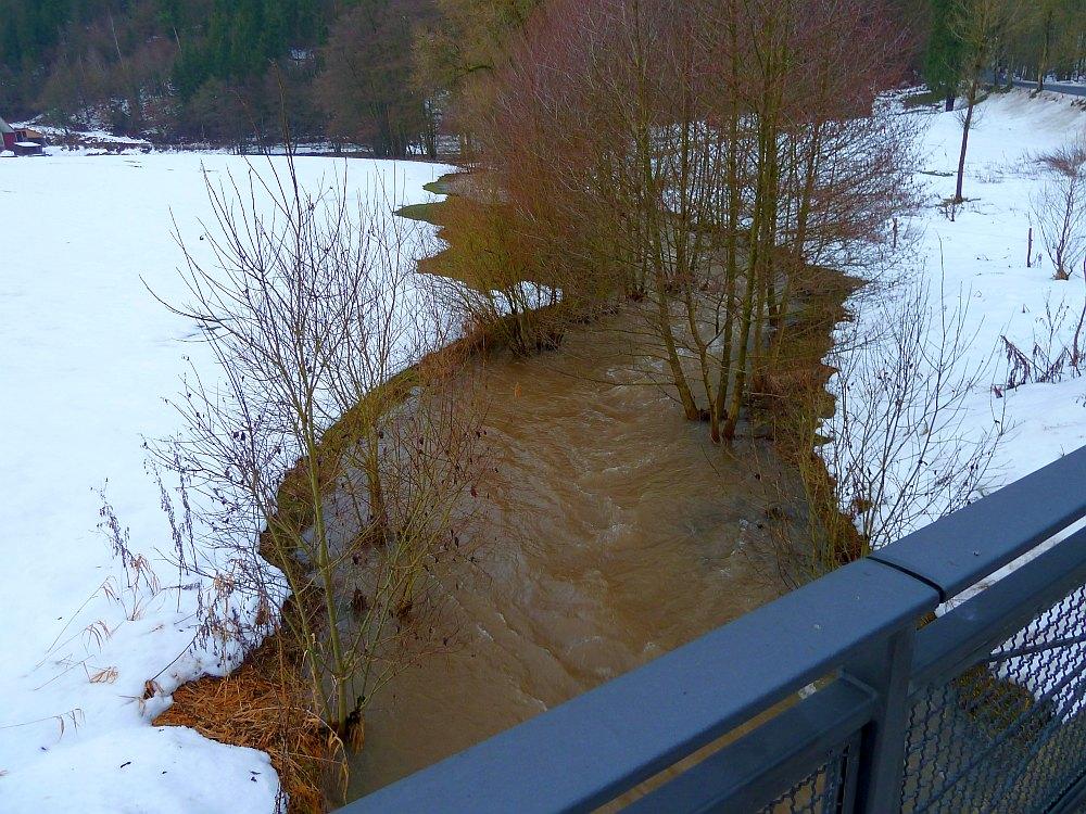 http://www.lutz-schenk.de/wetter/201101109_hw/047_heimbach.jpg